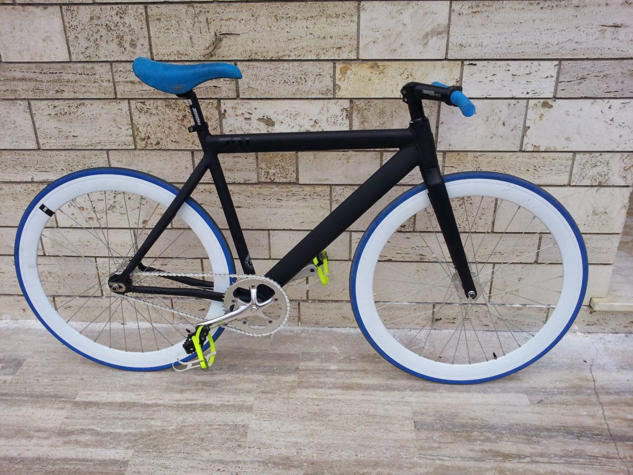 Alupre Comcompatible Universale withtable Resistente Pelle PU Brown Rivetti Bici sede della Molla Sella della Bicicletta